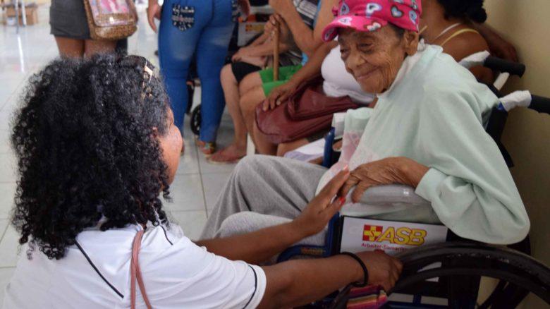 Ayuda de emergencia para personas vulnerables afectadas por el terremoto de Ecuador